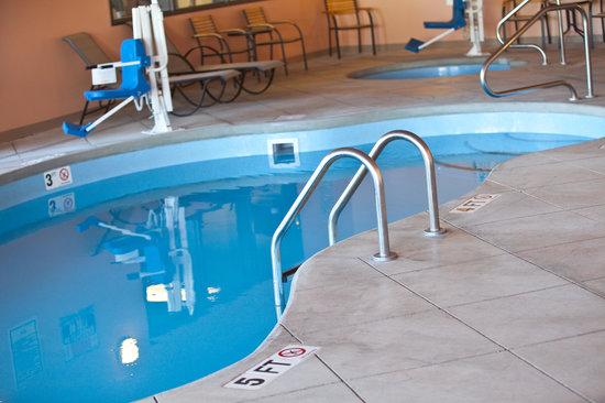 Baymont Inn & Suites Rapid City: Pool & Hot Tub
