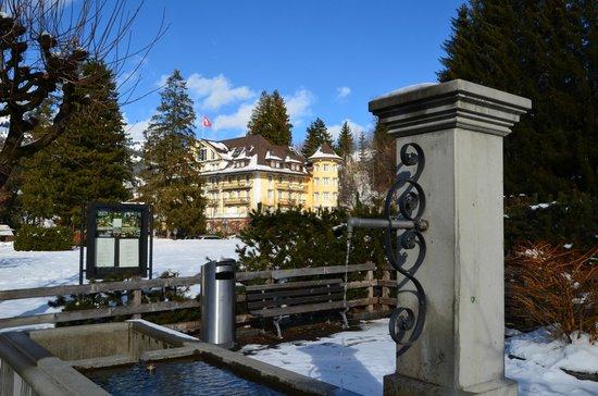 Le Grand Bellevue : Hotel vanop dorpspromenade