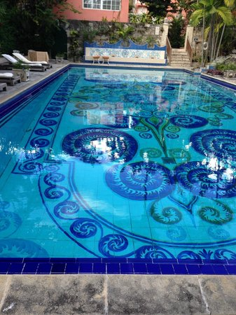 Graycliff Hotel : Large Pool