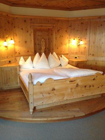 Hotel Quelle Nature Spa Resort: camere molto calde e spaziose
