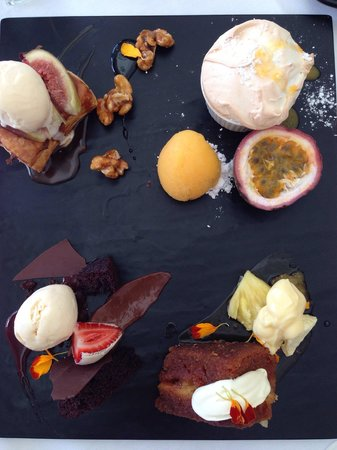 Rickys River Bar + Restaurant : The most delicious array of small desserts