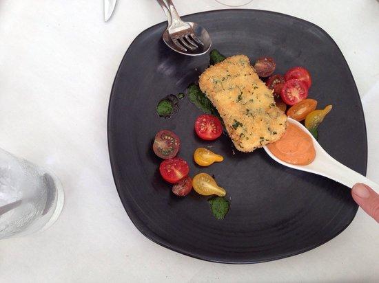 Rickys River Bar + Restaurant: Deep fried Brie