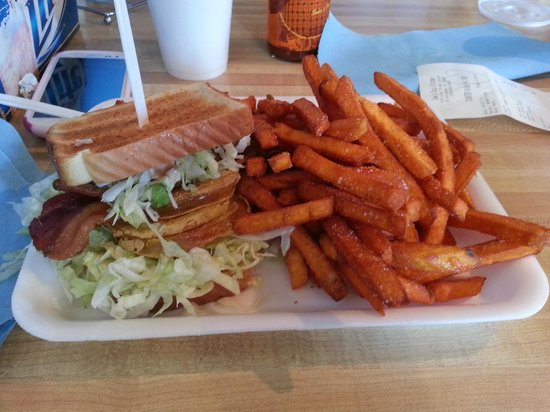 Saw's Soul Kitchen: Fried Green BLT and Sweet Potato Fries