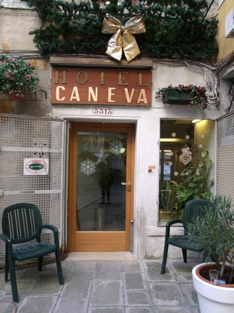Hotel Caneva: Entrada do Hotel