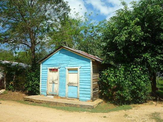 Excursions Stéphanie - Casa de Las Terrenas : Cabanon bleu du village