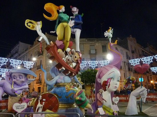 Valencia Cathedral : Fallas