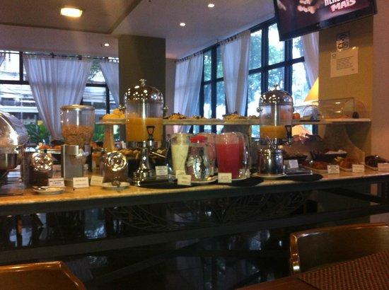 Hotel Gallant: Restaurante (café da manhã)