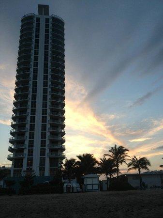 Marenas Beach Resort: View of resort from beach at sunset