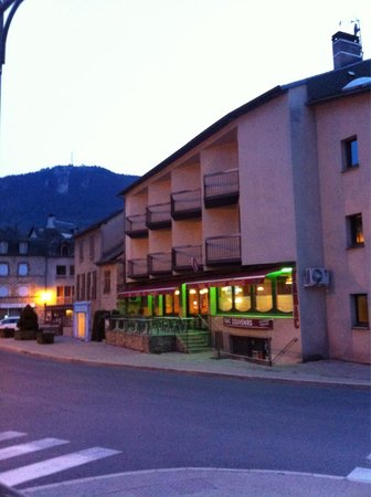 Hotel du Commerce: Façade principale