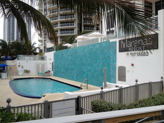 Marenas Beach Resort: Pool- small, but warm and was not crowded while we were there