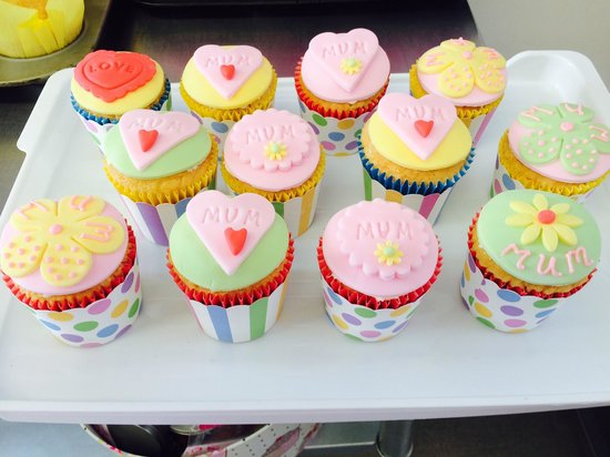 The Baking Birds : Treat for mum on Mother's Day x