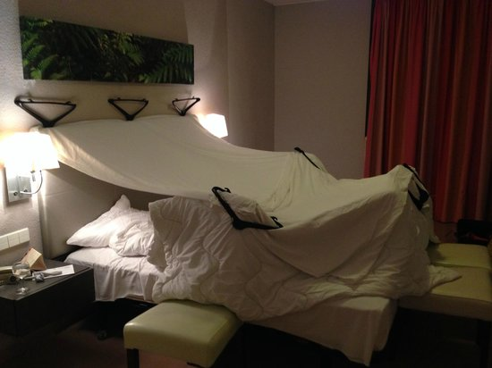 Atlantic Holiday Hotel: Cabin to stay warm during the night
