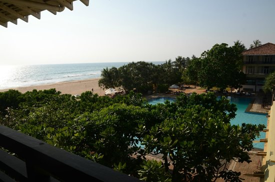 Heritance Ahungalla: Couldn't get much closer to the beach