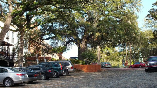 Savannah Historic District: Downtown Savannah