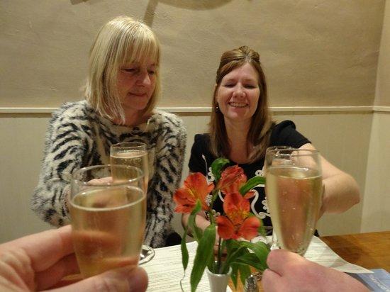 Wayford Bridge Inn: Free Glass of Champagne