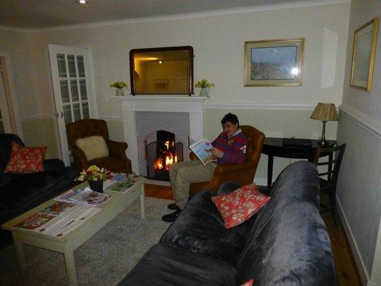 Poolewe Hotel: Lovely Lounge