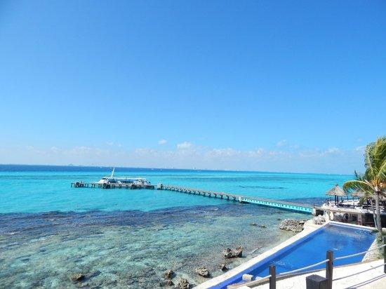 Garrafon Natural Reef Park: The dock