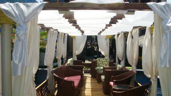 Pousada Presidente Hotel: Gazebo no centro da piscina