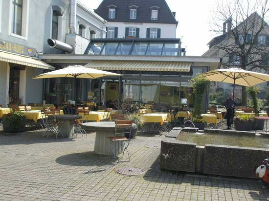 Wädi-Brau-Huus: Patio area