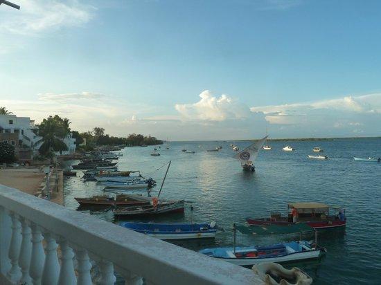 Shela Bahari Guest House: Balcony view on the jetty