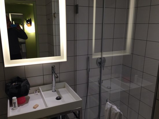 Mama Shelter Lyon: Salle de bains design