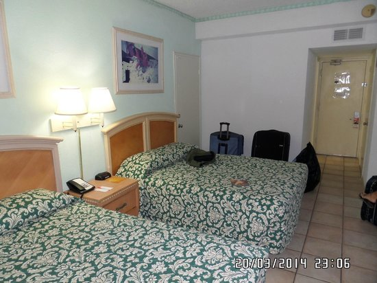 Miami Beach North Plaza Hotel: habitacion