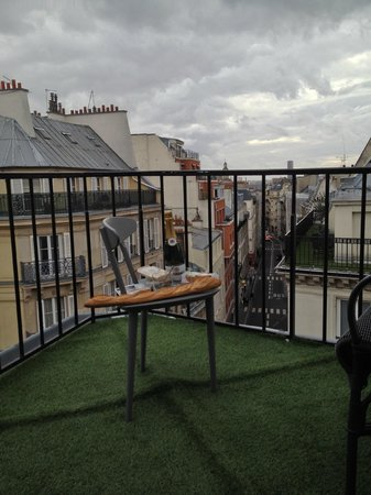 Hotel Josephine by HappyCulture: Top floor balcony
