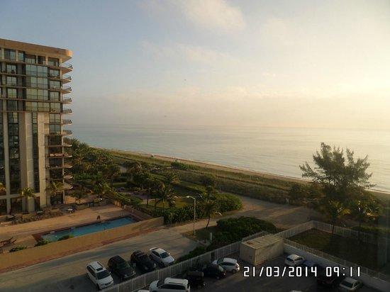 Miami Beach North Plaza Hotel: vista desde habitaicon 829