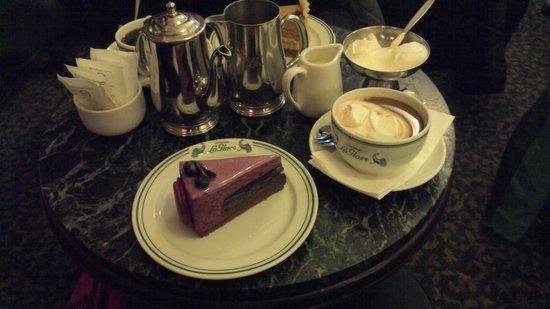 Conditori La Glace: Cake and Hot Chocolate
