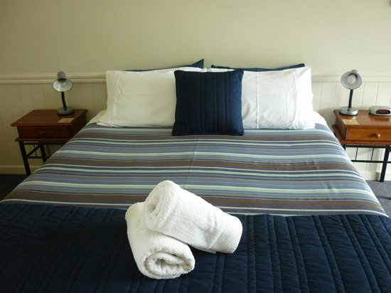 Invercargill TOP 10 Holiday Park : Ensuite Bed