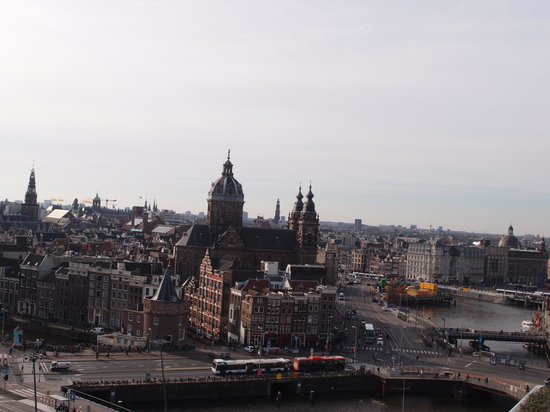 DoubleTree by Hilton Hotel Amsterdam Centraal Station: sky bar view