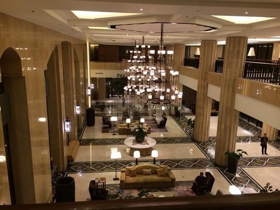 Hotel Tentrem Yogyakarta : Main foyer area