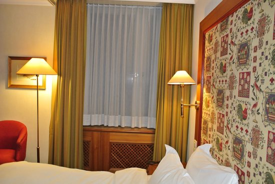 Hotel Continental Zurich - MGallery by Sofitel: Window coverings