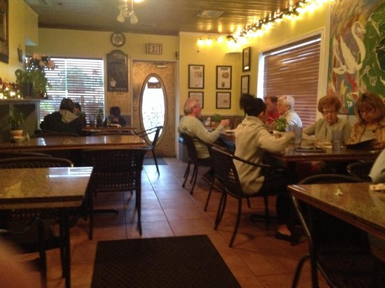 cafe zuppina: Dining room. 5 tables for 4 and 2 smaller tables for 2 or 3.