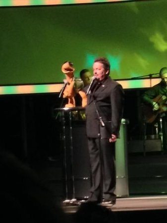 Terry Fator - The Voice of Entertainment: winston off to hollywood
