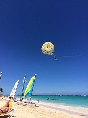 Iberostar Punta Cana: parasailing