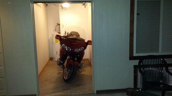 Two Wheel Inn : Perfect fit!
