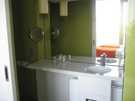 Hotel Indigo Berlin - Ku'damm: Batroom