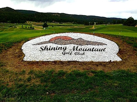 ‪Shining Mountain Golf Course‬