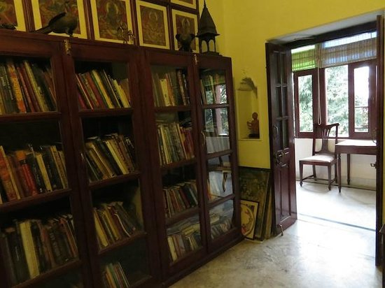 Hotel Ganges View: The Library