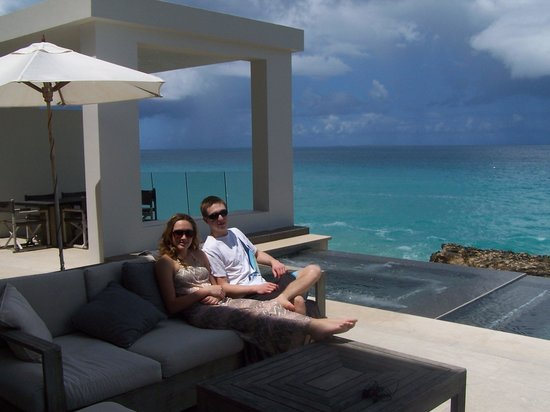 Four Seasons Resort and Residences Anguilla: Looking out over the hot tub and pool
