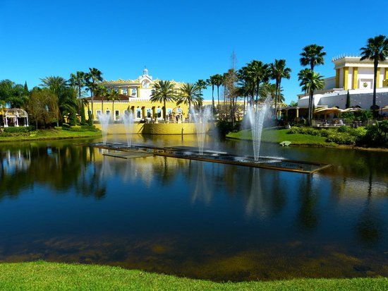 Holy Land Experience: Holyland Experience, fountains