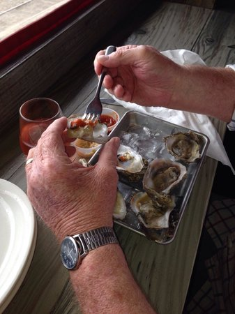 The Salty Pelican Bar & Grill: Oyster starter