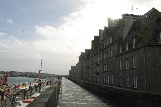 ibis Styles Saint-Malo Centre Historique : vue depuis remparts