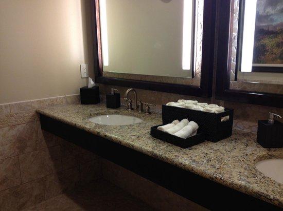 Brasstown Valley Resort & Spa: Locker Room