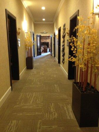 Brasstown Valley Resort & Spa : Hallway towards relaxation room