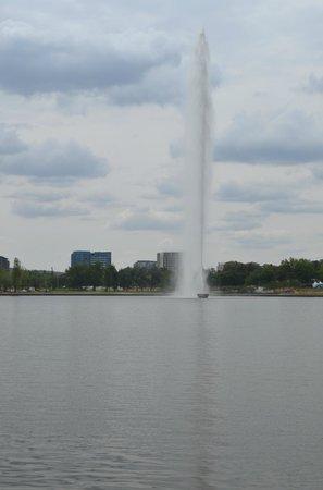 Captain Cook Memorial Water Jet