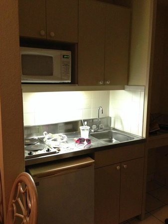 Beachview Hotel: kitchenette