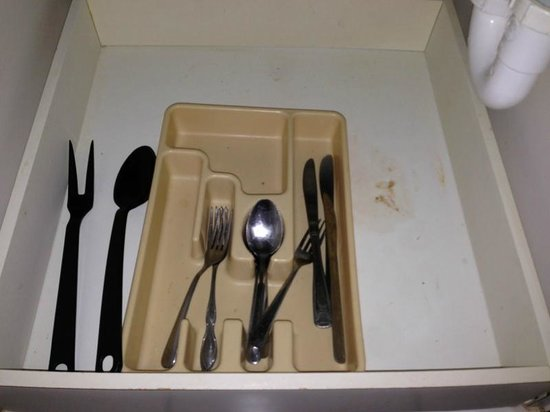 Beachview Hotel: gross silverware