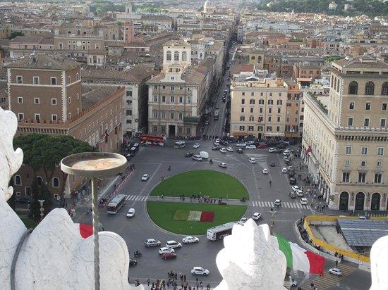 Rome, Italie : Piazza Venezia vista do terraço do Vittorio Emanuele